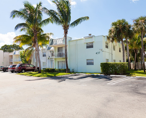 Clear Lake Palms 401 Executive Center Dr WPB-3688