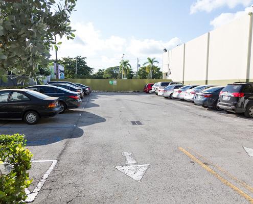 Biscayne Plaza parking 3 lots-7829
